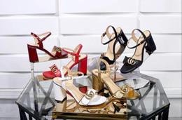 2019 NUEVA Moda de Lujo Diseñador de Fondo Rojo Parte inferior de los zapatos de tacón alto Tacón Negro Plata bombas de la boda vestido de marca para mujer zapatos para mujer 1088-03 desde fabricantes