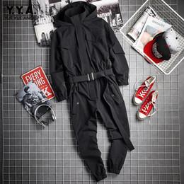 2019 mamelucos del mono coreano 2019 Nuevo Mens Hip Hop Mono de carga Moda Fajas negras Joggers Monos Múltiples bolsillos Trabajo mamelucos Streetwear Ropa coreana rebajas mamelucos del mono coreano