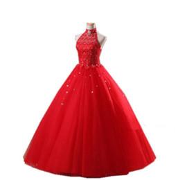 Vestido de quinceañera con vestido de bola de tul rojo y apliques de abalorios 2020 Vestidos de fiesta con cuello halter Vestidos de noche sin espalda desde fabricantes
