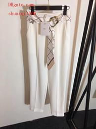 Nouvelle marque femme pantalon lettre impression ceinture en soie haute qualité casual femmes survêtement leggings capris pantalon large jambe capris noir ? partir de fabricateur