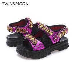 Sandali ad altezza crescente online-Sandalo grosso strass donna piattaforma cristallo 2019 estate scarpe da donna spessa suola altezza crescente maglia sandalo casual