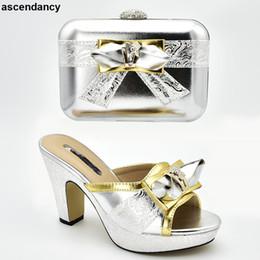 ae6f359122 Novità Scarpe da donna Luxury 2019 Scarpe da sposa e borse da donna Set di scarpe  e borse italiane per scarpe da donna con tacco a blocchi