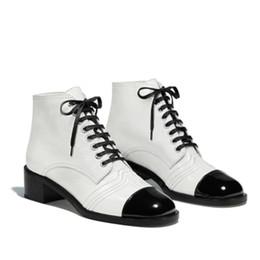 Bottes hiver hiver femme en Ligne-Bottines en cuir de vachette blanches en cuir véritable pour femmes, chaussures d'hiver en cuir verni blanc, chaussures de luxe pour femmes