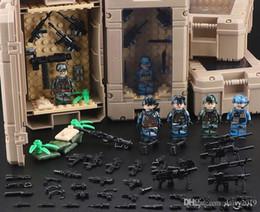 2020 boîte à arme Guerre mondiale Case Box Affichage militaire 2 Armée SWAT Soldat Arme Gun Boy Toy cadeau promotion boîte à arme