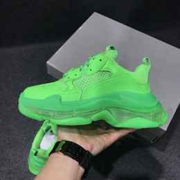 women shoes white soles Promo Codes - Leather Casual Shoes Men Women Green Triple S Sneaker Designer Fluo Green Casual Shoes Fashion Low Top Clear Sole Platform Shoes
