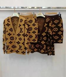 Conceptions de cou de chandails dames en Ligne-Automne et hiver Mode femme pleine F cardigan porter à l'aise femmes tricot design cou FF haut pull Livraison gratuite