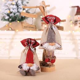 2019 árbol de soporte de adorno Bolsa de regalo de Navidad Nordic Santa Claus Drawstring Candy Holder Bags Xmas Tree Hanging Doll Adornos rebajas árbol de soporte de adorno