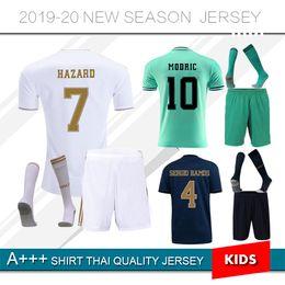 2019 camicie da calcio madrid reale 2019 Real Madrid Kids Kit Soccer Jerseys 19 20 Home HAZARD Away 3RD Bambino Bambino Modric 2020 SERGIO RAMOS BALE Maglie calcio camicie da calcio madrid reale economici