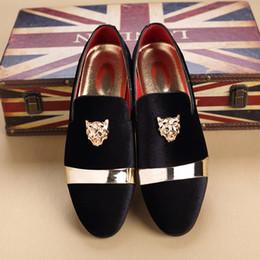 2019 tiere hochzeit Plus Size Luxus Männer Müßiggänger Kleid Schuhe Italienische Designer Tier Metallschnalle Zehe Mokassins Samt Oxfords Schuhe Hochzeit Müßiggänger Q-215 günstig tiere hochzeit