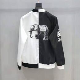 giacca di jeans di disegno degli uomini Sconti 19ss AutumnWinter Brand New Men Designer Giacche Trend Diverse Jean Jean Cappotto Stili Giacca donna Abbigliamento uomo Giacca a vento Ricamo cappotto