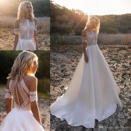 Bohemian Praia A-Line Vestidos de casamento do laço Applique Jewel Neck Pavimento comprimento plissados vestido de casamento vestidos de noiva Vestido de Novia de