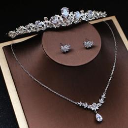 Argentina Zircon de moda collar nupcial pendientes conjunto de plata mujeres desfile de conjuntos de joyas de baile con diadema accesorios de boda Suministro