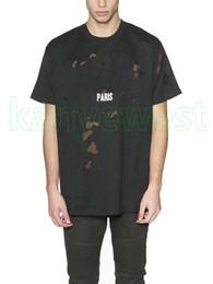 большие мужские футболки Скидка 2019 жаркое лето уличная одежда европа париж мода мужская высокое качество большая сломанная дыра хлопок футболка дизайн футболки повседневная женская футболка футболка