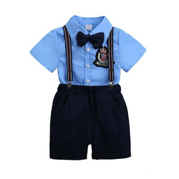 Chemises de mariage bleu en Ligne-Remise Garçon Vêtements Set Gentleman Mode D'été Bleu Chemise + Shorts Bébé Vêtements Costume Pour Wedding Party Boy Formal Set