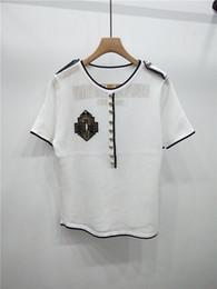 botones de estilo Rebajas Diseñador de las mujeres Camisetas Casual marca Tees ahueca hacia fuera transpirable para dama de lujo mujeres botón delgado letras de impresión de estilo de moda Tops