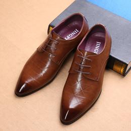 marche di scarpe da uomo Sconti Scarpe da uomo in pelle di lusso marchio  britannico cintura 2bf9b310a2e