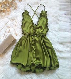 2019 комбинезоны комбинезоны без спинки Women Sexy Backless Playsuit New Style Jumpsuit Rompers Womens Clubwear Playsuits V Neck Satin Short Trousers 3 color дешево комбинезоны комбинезоны без спинки