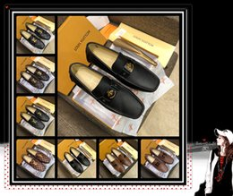 Eleganti scarpe beige online-scarpe eleganti da uomo scarpe in pelle moda ACE Beige Bee animal flower stile flat top scarpe di lusso elegante fondo morbido