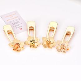 2019 acessórios florais china Clipe de Cabelo Flor de Cristal Barrette Seaside Venda Quente Exclusivo Handmade Cor de Ouro Gota de Água Beads Pérola Imitação Meninas Bonitas