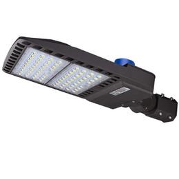 Lâmpada led ip65 on-line-O parque de estacionamento conservado em estoque do diodo emissor de luz dos EU ilumina o dispositivo elétrico de luzes de rua de Pólo de Shoebox do diodo emissor de luz de 300w 200w 150w 100w com a fotocélula 5000K IP65
