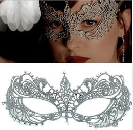 2019 kylie mini kit lèvre 2020lace Masque de mariée masques mascarade Halloween Party masques Parti vénitien Demi-masque visage pour Noël OC018