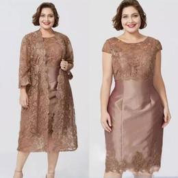 Gaine de thé longueur en Ligne-Robes de mère de gaine manches courtes Brown Chic avec Full Lace Jacket Elegant thé longueur Robe de mère de la mariée sur mesure BC0279
