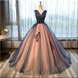 2019 vestidos 15 cor coral Tule de seda com decote em v vestido de baile quinceanera vestidos beading apliques sem mangas elegante até o chão formal vestidos de baile com rendas até as costas