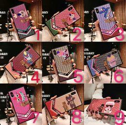 Couvertures d'iphone de caractère en Ligne-Housse de téléphone carrée design de personnage de dessin animé couverture de téléphone pour iphone 7 7plus 8 8plus 6 6plus Xs max Xr avec lanière