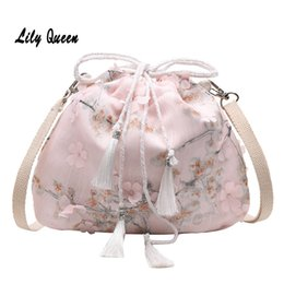 2020 bolsa china china LILY QUEEN estilo chino Crossbody del bolso de hombro de las mujeres del lazo de la borla de la lona de las señoras de las flores bolsa monedero bolsa china china baratos