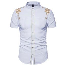 Chemises habillées pour hommes en broderie de couleur Imprimé floral à manches courtes Tops d'été Vêtements décontractés pour hommes ? partir de fabricateur