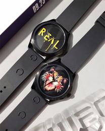 Мужские часы 38мм онлайн-38 мм Мужские Часы Мужчины Женщины Часы Из Нержавеющей Стали Черный Циферблат Резиновые Ленты Япония Mov Кварц Мода Повседневная Мужской Часы Наручные Часы F77