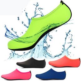 scarpe d'acqua subacquee Sconti Beach Water Sports Scuba Diving Calzini 5 colori Nuoto Snorkeling antiscivolo Seaside Beach Scarpe da surf traspirante Calzini Sand Play