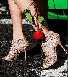 Argentina Diseñador superior Desnudo Negro Mujeres Sandalias Cut-out Cristalino de la sirena Botines de tacón fino Zapatos de boda Novia Jaula Bootie Suministro