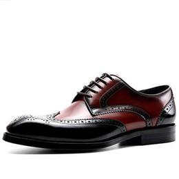 2019 zapatos de vestir para hombre con punta de ala Zapatos Brogues para hombre Zapatos de vestir con punta de ala Blake Oxfords para hombre clásico Traje de caballero formal de negocios Zapatos de cuero Vino Rojo Negro rebajas zapatos de vestir para hombre con punta de ala