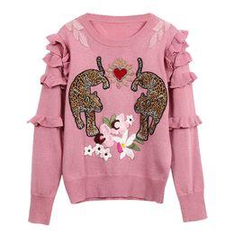 Вышивка рукав вязать свитер онлайн-2019 Spring New Flowers Embroidery Leopard Knit Sweaters Lurex Ruffles Long Sleeve O-neck Pullover Pink Sweater Jc2700