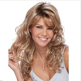2019 sostituzione dei capelli naturali Parrucca anteriore del glueless della parrucca di Glueless del partito di Ombre del blonde di modo Parrucca di ricambio dei capelli sintetica resistente al calore naturale lunga dell'onda per le donne sconti sostituzione dei capelli naturali