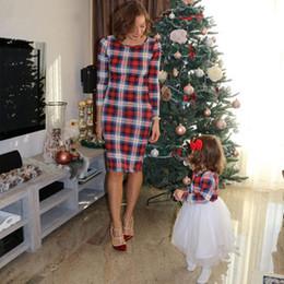 madre hija pantalones a juego Rebajas Madre e hija de la moda de verano la ropa a juego de la tela escocesa vestido largo muchacha de las mujeres del vestido del tutú ropa de la familia