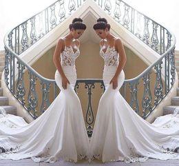 2020 Spaghetti-Trägern Lace Mermaid Brautkleider Satin Spitze applique Sweep Zug Boho Hochzeit Brautkleider Roben de mariée von Fabrikanten