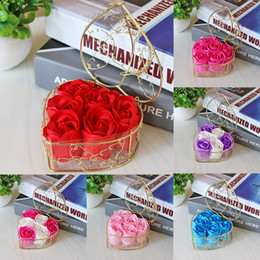 Bath body gift on-line-6 Pcs Caixa Handmade Scented Rose Soap Flower Romântico Bath Body Sabonete Rosa com Cesta Dourada Para O Presente de Casamento Dos Namorados Livre DHL WX9-1221