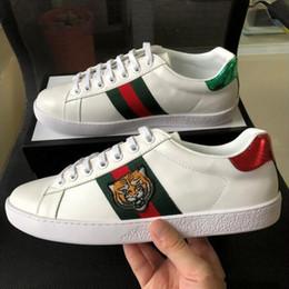 2019 деревянная обувь Gucci Новые дизайнерские туфли ACE Luxury вышитые белые тигровые змеиные туфли из натуральной кожи дизайнерские кроссовки мужские женщины повседневная обувь размер 36-45