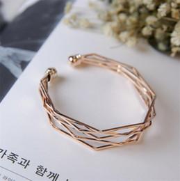 2019 último diseño de brazalete cecmic brazalete de la pulsera con un diseño sencillo brazalete de joyería última moda precio barato al por mayor de China rebajas último diseño de brazalete