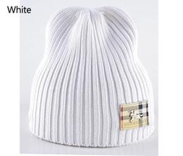 2019 fios pele real para tricotar Homem mulheres beanie designer de moda bonnet mulheres casual tricô hip hop Gorros pom-pom crânio caps polo chapéus de malha ao ar livre ba3555987