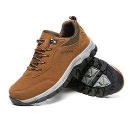 2019 scarpe da caccia Scarpe da trekking da uomo all'aperto Walking da uomo Scarpe da arrampicata Scarpe da ginnastica sportive Caccia da montagna Scarpe da caccia traspiranti antiscivolo scarpe da caccia economici