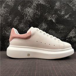 Sapatos adulto eva on-line-2019 novas cores Mqueens Shoe Mc Plataforma Sapatos Casuais Designers de Marca de Couro Confortável Macio Mocassins de Lazer Adultos Calçados Respiráveis