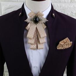 2019 bolsos arco vestido de noiva Nova Moda Cavalheiro De Seda Laços Festa De Casamento Borboleta Laços Borboleta Gravata Bolso Gravata Quadrada para Presentes Homem vestido bolsos arco vestido de noiva barato