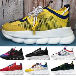 Scarpe in pelle scamosciata gialla online-Luxury Fashion Italia Ace Chain Reaction giallo marina scarpe casuali Nero Multi Color Gomma Suede 2.0 Chainz uomini le donne bianche scarpe da ginnastica