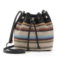 Seau de corde en Ligne-Femmes style bohème cordon sacs à main Pu toile sac à bandoulière corde Stripe paille seau sac Design original fourre-tout cartable