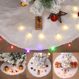 Soft christmas tree decorations online-New Fashion Soft Christmas Tree Skirt Decorazione per albero di Natale Decorazione per la casa New Fashion Soft Christmas Tree Skirt