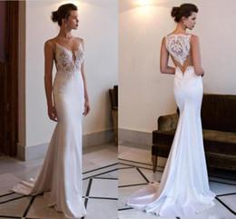 Vestidos de novia estilo vaina online-2019 Sexy Sheer Illusion Back Beach vestidos de novia de encaje con apliques de sirena estilo de corte de tren vestidos de novia BC0479
