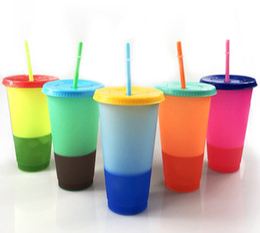 Tazze di cambiamento di colore online-colore 24 once bicchieri cambia tazza di plastica con coperchio e bere caramella paglia colori di bevande fredde riutilizzabile della tazza di caffè boccali